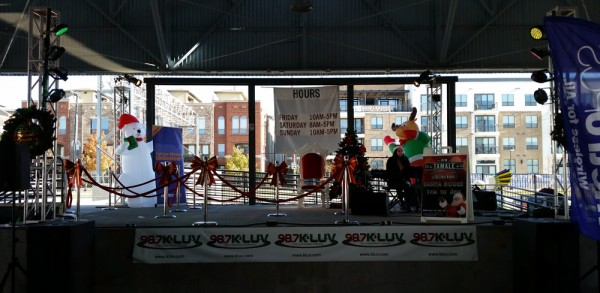 Full Production Christmas event at Dallas Farmers Market for CBS Radio
